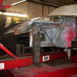 Fahrzeug auf der Rahmenlehre, nachrichten des Tankauflagebleches und der Radkästen